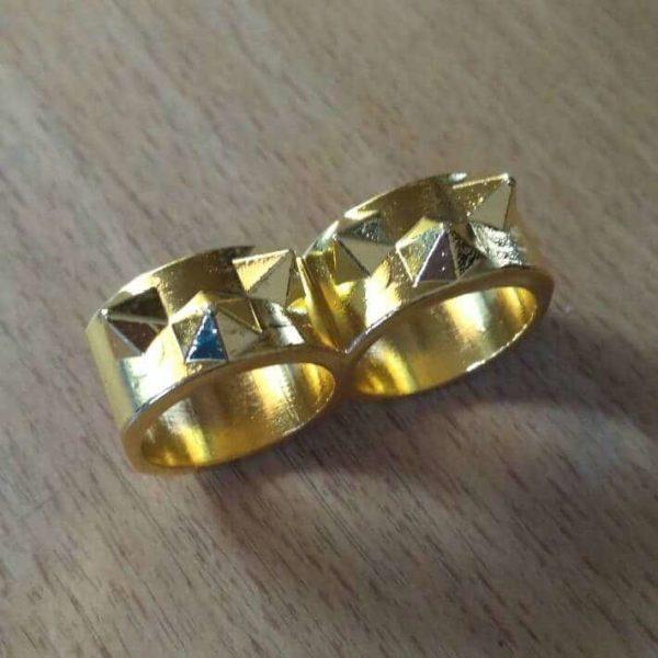 Двойное кольцо с шипами самооборона золотое