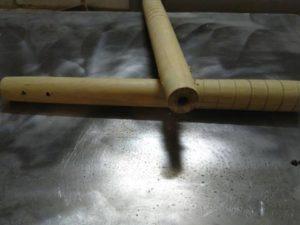 Отверстия для шнура нунчак из акации