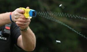 Taser стреляющий электрошокер в Украине